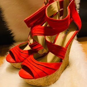 JUSTFAB Red wedges